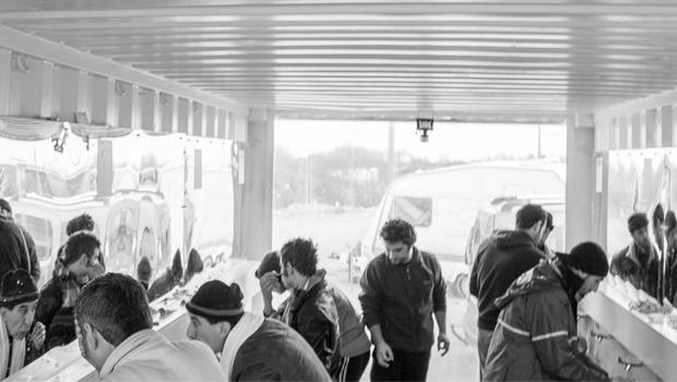 Refugee Response Update #4 - Calais Sanitation Unit